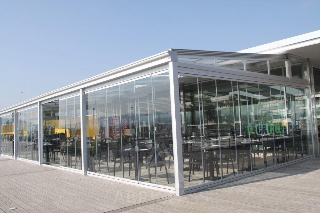 Fermeture en verre abriglass for Fermeture de terrasse couverte