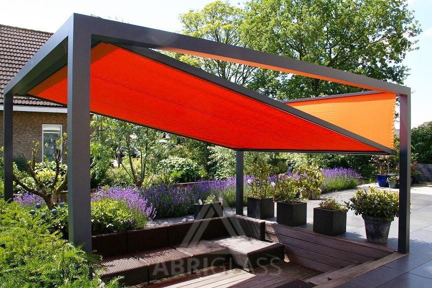 pergola toile r tractable pour am nagement de terrasse. Black Bedroom Furniture Sets. Home Design Ideas