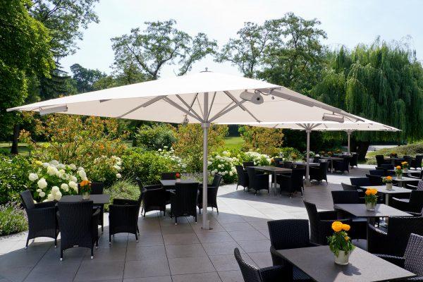 Parasols big size pour terrasse de restaurant