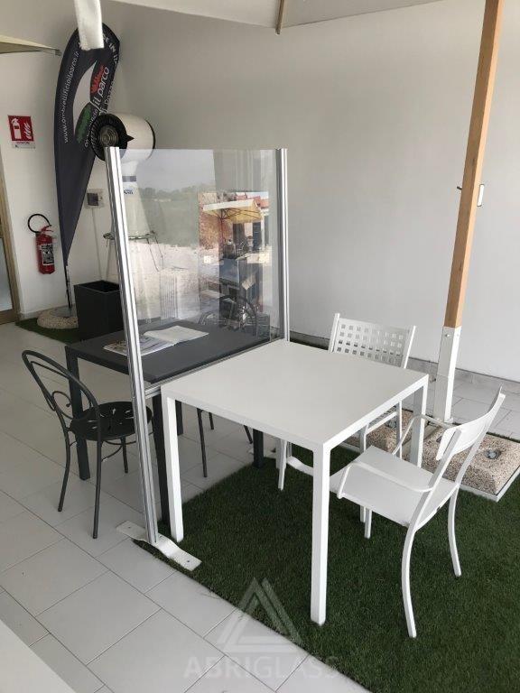 Isoloir table CHR